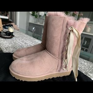 💯Authentic Ugg boots in pale nude pink